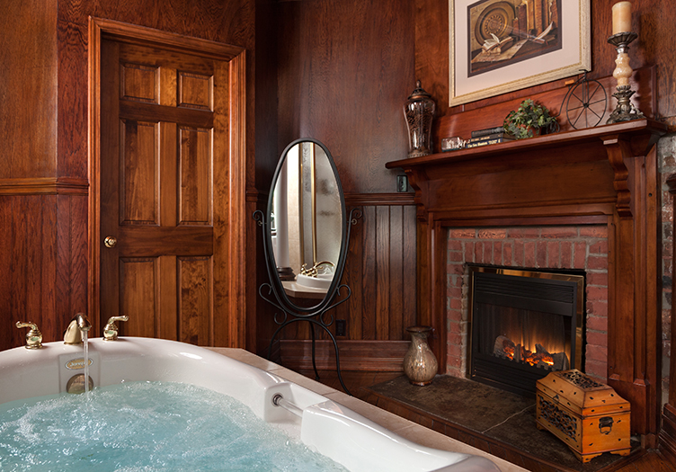 Grand Library Suite bath