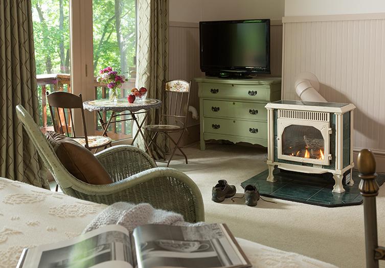 Hawthorn_Inn_Fireplace