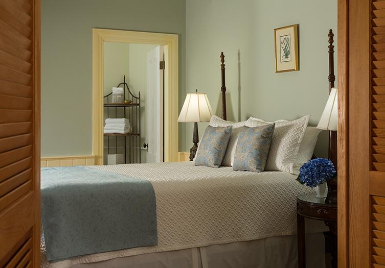 Hawthorn_Inn_Guestroom