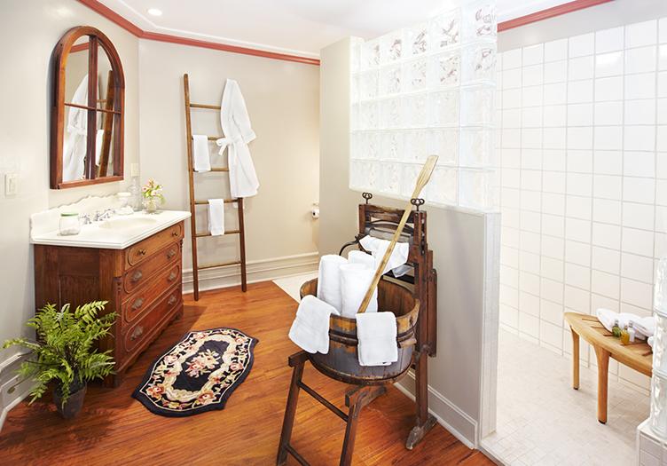 J_Palen_landis_suite_bathroom