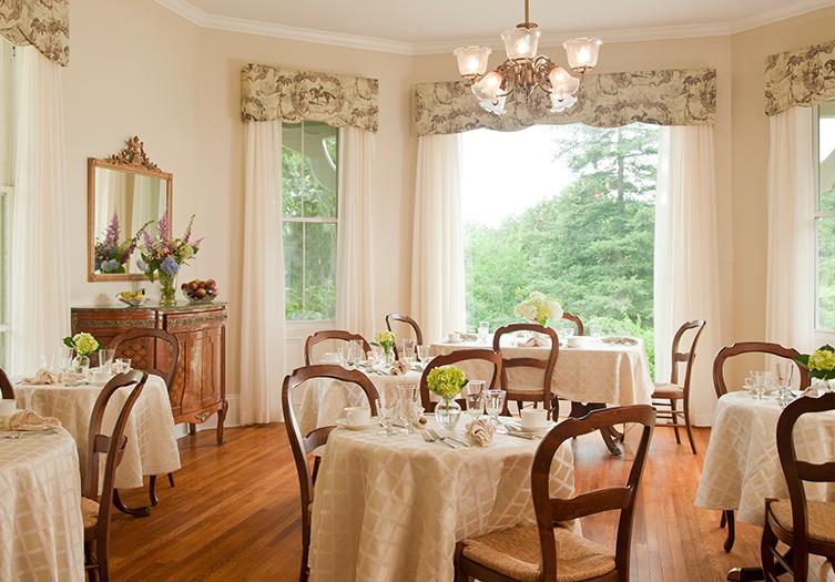 Mount-merino-dining-room