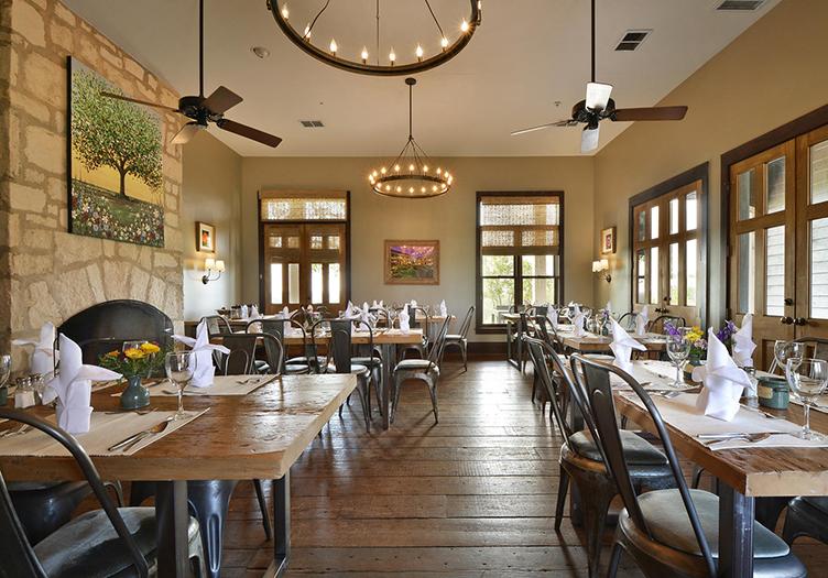 Sage_Hill_Inn_Above_Onion_Creek_restaurant