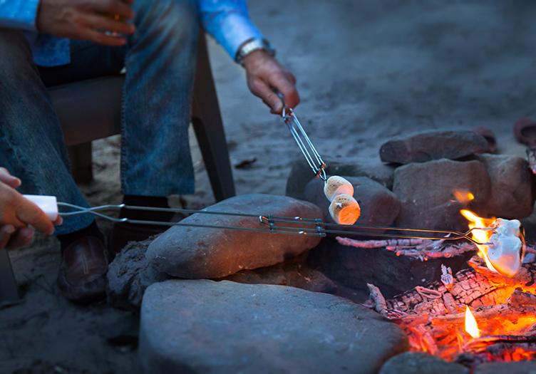Settlers Inn Marshmallow Roast