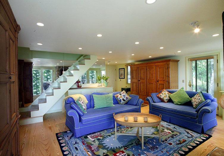bay-ledge-staircase