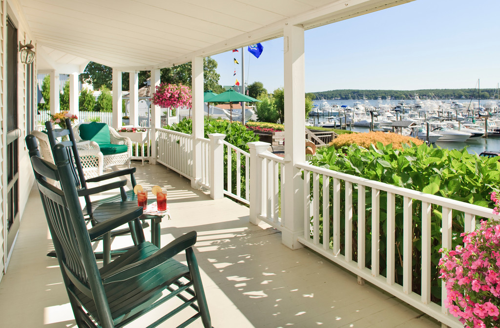 harbor-hill-front-porch