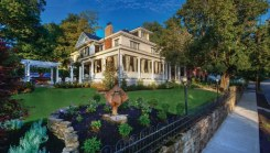 Bluefield Inn exterior gorgeous lawn