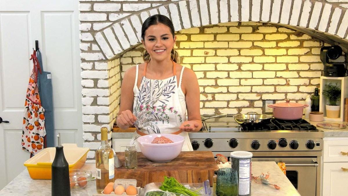 Selena Gomez to Serve Up Season Two of Cooking Show Selena + Chef