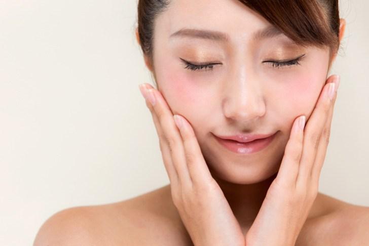 肌のたるみを改善した女性の画像