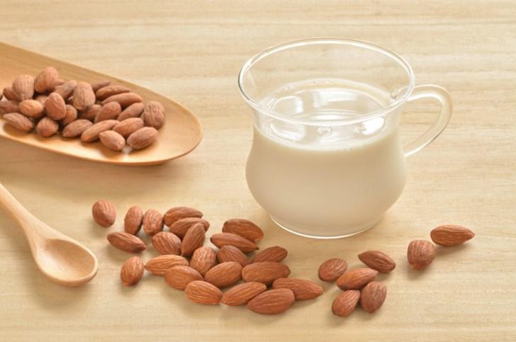 アーモンドミルクの画像