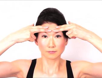 顔のたるみ体操5