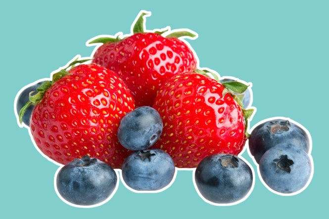 03-8-natural-recipes-for-amazing-skin-from-a-plastic-surgeon-berries