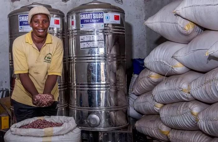 farmer sells grains to UN