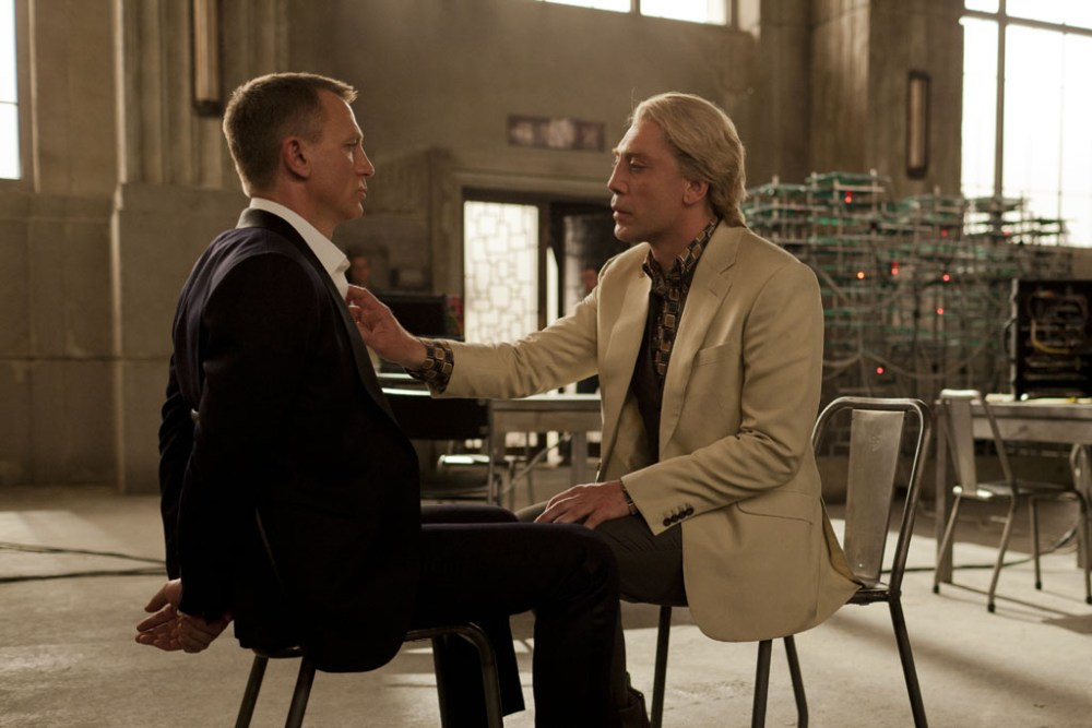 Skyfall (2012) - 50 năm vẫn chạy tốt... (3/5)