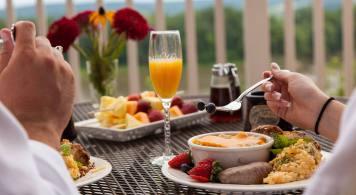 hermann hill breakfast-on-deck-slide