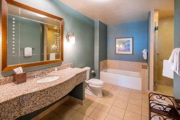 bhmhv-bathroom-0101-hor-clsc