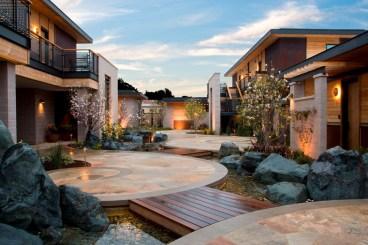 Bardessono-Magnolia-Courtyard