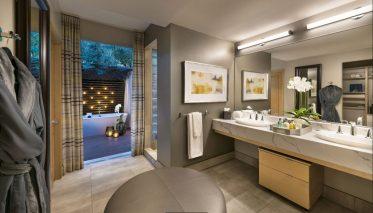Spa-Suite-Bathroom