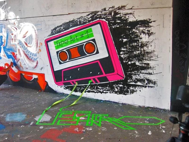 Tape by Tape-Klebeband Graffiti- Ostap-street-art-festival-Teufelsberg-2012