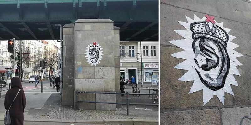Selfie (Ohr)- Klebeband-Street-Art in Berlin