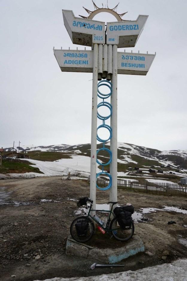 Finally, the top of the Goderzi Pass
