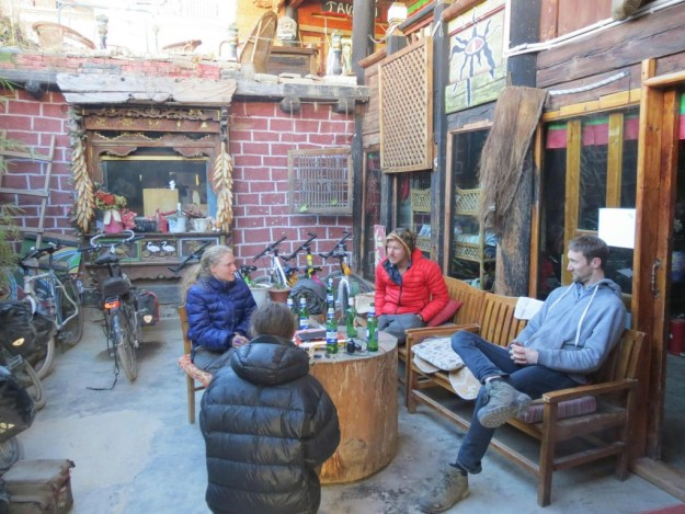 With long distance cyclists Mia, Ollo and Ritzo, and expat Andy from Chengdu, in Tavern 48 hostel, Shangri La.
