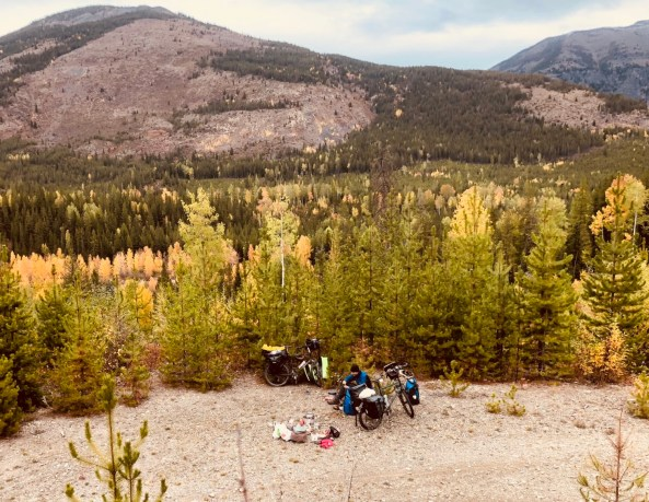 Picnic lunch before tackling Carson Pass.Photo: S.Coackley