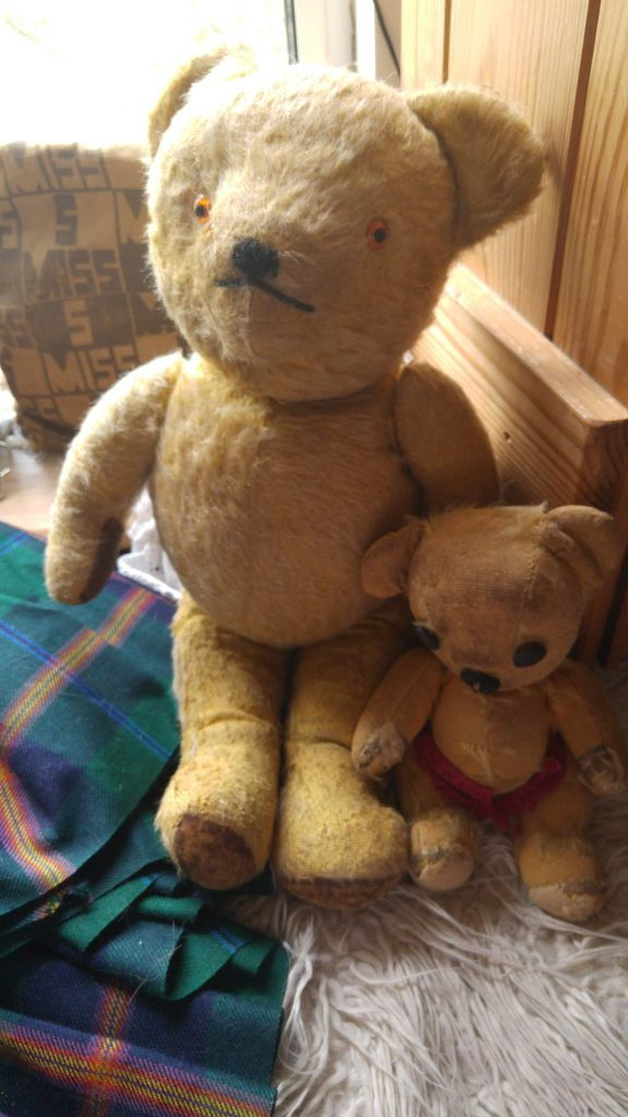 photo of two vintage teddy bears