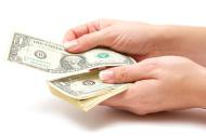 woman-paying
