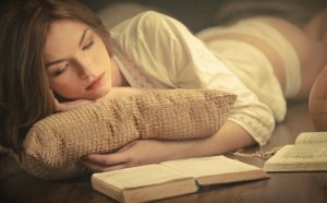 girl_reading_a_book__4__by_imaginationphotos-d5pcg3e