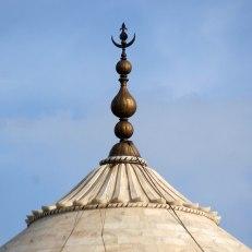 Taj_Mahal_finial-1