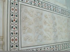 Taj_mahal_detail_outside_wall