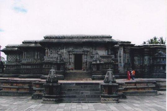 Chennakeshava_Temple_at_Belur_Rearview
