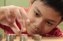 5 Simple Ways to Include Kids Money Lessons into Everyday Life