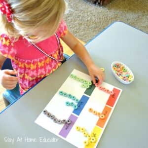 Sorting-colored-o-cereal-by-color-Stay-At-Home-Educator-1000x1000