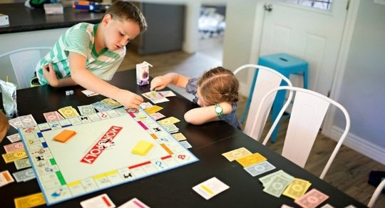 These budgeting games give kids a sneak peek into what it's like to live off of a budget in the real world. But beyond learning, these games are also fun!