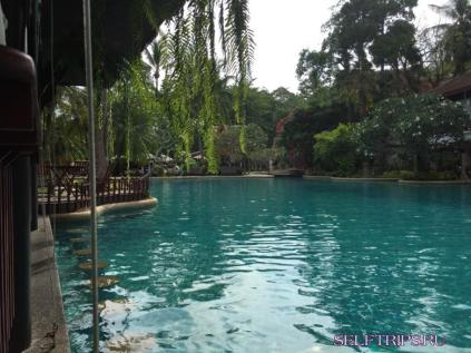 Отель Thavorn beach village resort & spa
