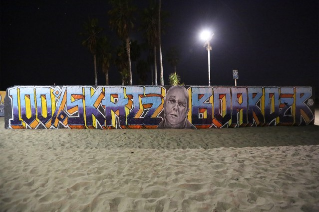 self selfuno dcypher exist graffiti mural memorial 100 percent skateboarder jay adams portrait cbs crew venice beach art hd 1920x1280