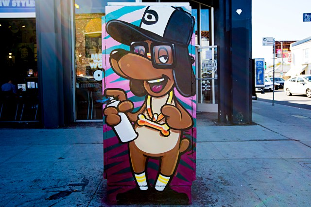 self selfuno graffiti los angeles hollywood dog character gold bone march 2015