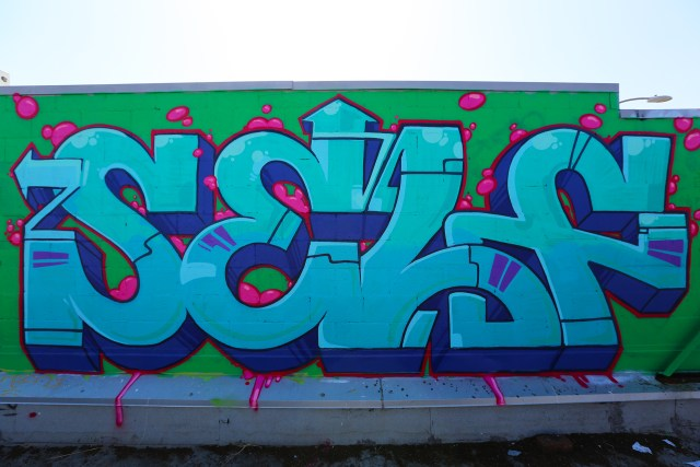 self selfuno graffiti melrose rooftop los angeles hollywood letters piece connections may 2014