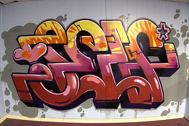 self selfuno graffiti art mural painting burner hip hop connections letters piece november 2015
