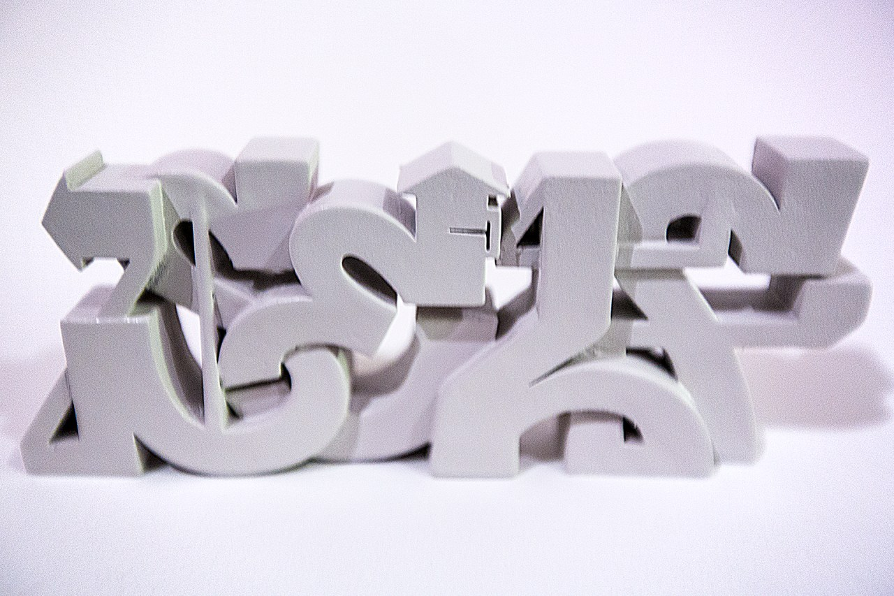 self uno selfuno 3d model print rapid prototype makerbot graffiti piece sculpture painted grey