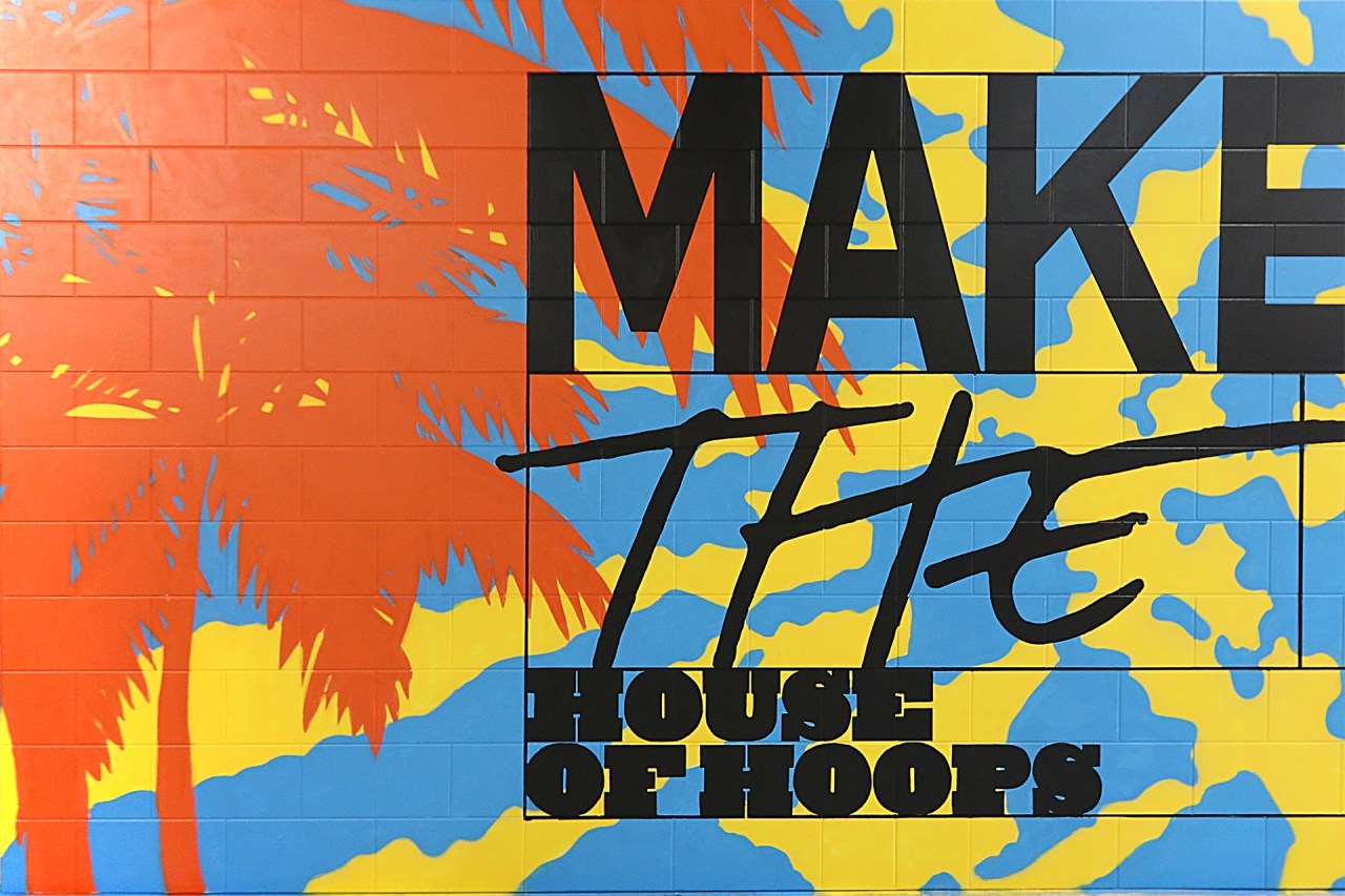 makers_of_the_game_nike_house_of_hoops_nba_allstar_2018_los_angeles_footlocker_hollywood_highland_klughaus_graffiti_usa_selfuno_mural_sign_paint