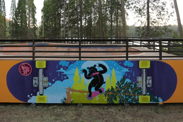 skate_camp_graffiti_mural_back_smith_bear_sequoia_lake_2018_selfuno_art_skateboard
