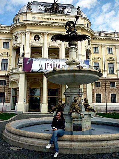 bratslava_theatre