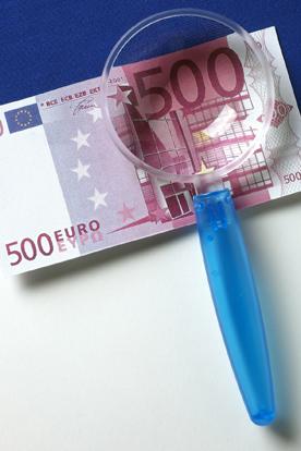 Eurot suurennuslasin alla