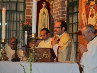 Antes de volver a España, junto al Padre Miguel