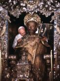 papa-juan-pablo-ii-abraza-santiago-apostol-1989