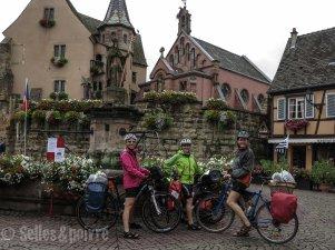 La fine équipe des Storki, dans le plus beau village de France.