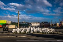 Christchurch : les 181 chaises de victimes du séisme