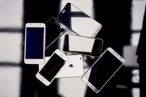 台南收購3C-橙市3C台南優質收購商家,收購手機、筆電、相機,0989-530992